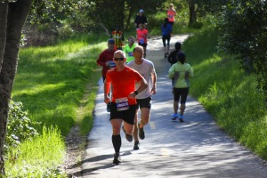 Working up a small hill at the Hellyer 10k