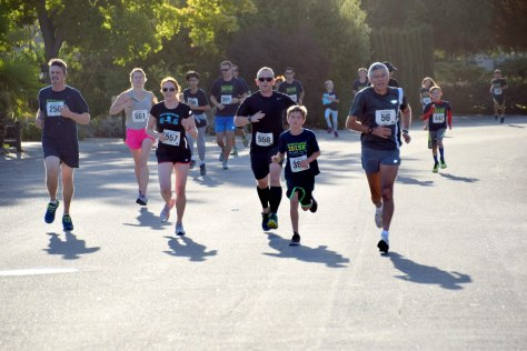 Settling into the first mile of the Montclaire 5k